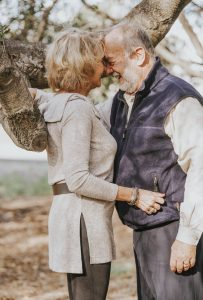 senior-embrace