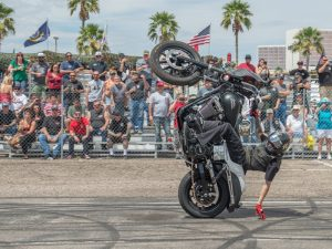 harley-wheelie-laughlin